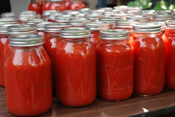 خرید جار شیشه ای رب گوجه فرنگی