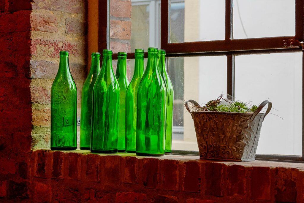 خرید بطری شیشه ای یک لیتری با قیمت مناسب